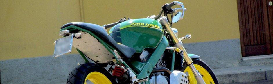 motocicleta Honda John Deere